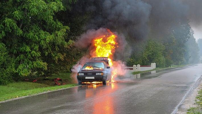 Повреждение (утрата) автомобиля при пожаре