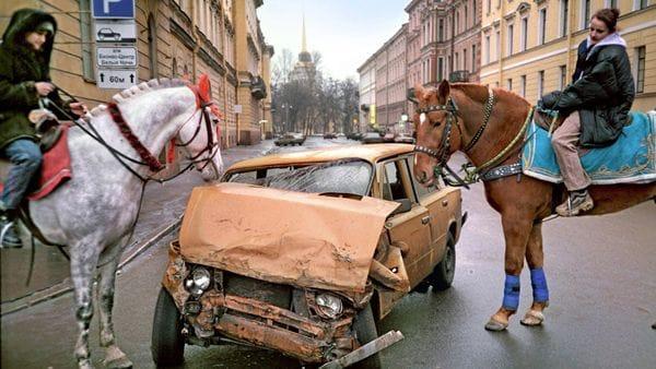 страхователь вправе отказаться от своих прав на него в пользу страховщика в целях получения от него страховой выплаты (страхового возмещения) в размере полной страховой суммы