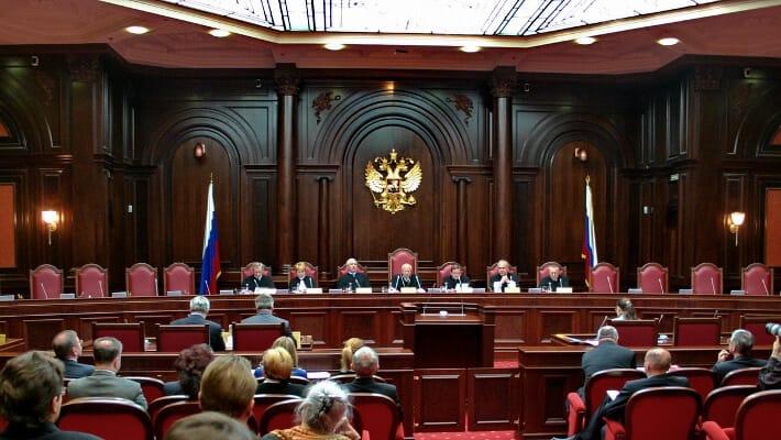 Верховный суд раъяснил как платить по фальшивым полисам ОСАГО
