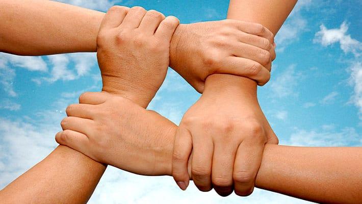 Коллективное страхование: что это такое, кому выгодно и в чем отличие от обычного полиса?